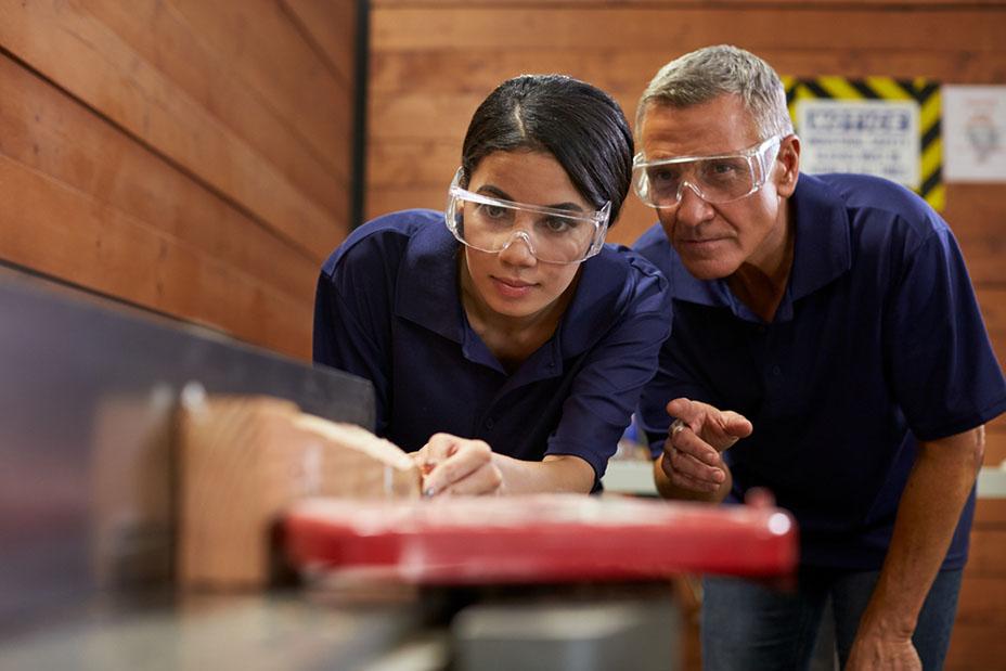 carpenter training female apprentice